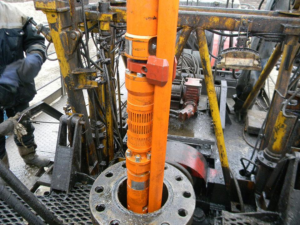 Imagen de torre de instalación de sistemas duales de producción con BES