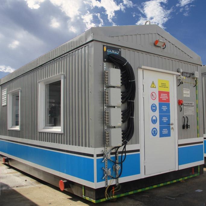 Fotografía de la unidad modular exterior que contiene los sistemas de tratamiento de fluidos en superficie