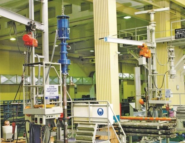 Banco de prueba para protectores de BES en el taller con un elevador
